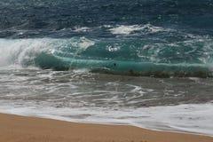 - kryształ jasny i dziki nawadnia w Praia da Foz, Sesimbra, Portugalia zdjęcia royalty free