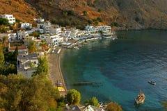 Kryształ - jasna woda w zatoce loutro na wyspie Crete Fotografia Royalty Free