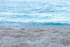 Kryształ woda przy zmierzchem Fotografia Stock