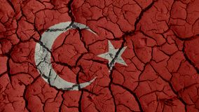 Kryzysu Politycznego pojęcie: Borowinowi pęknięcia Z Turcja flagą zdjęcie stock
