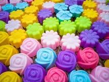 Krzemu pieczenia foremki, kolorowi kwiaty Kolorowy krzem mo Fotografia Stock