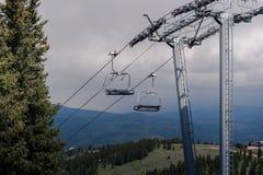 Krzesła dźwignięcie w Kolorado podczas lata obrazy stock