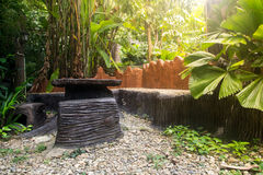 Krzesła i stół w Bali ogródzie zdjęcia royalty free