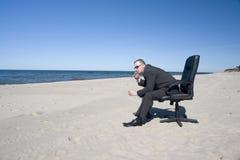 krzesła na plaży ludzie urzędu Zdjęcie Royalty Free