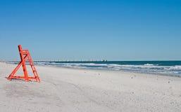 krzesła na plaży pusty ratownik Zdjęcia Stock