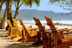 Krzesła przy plażą Obrazy Stock