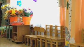 Krzesła, stół, kwitną wewnętrzny dzieciniec zbiory wideo