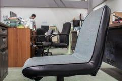 Krzesła w biurze krzesła Obrazy Royalty Free
