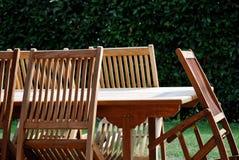 krzesła zgłaszają drewnianego Fotografia Stock