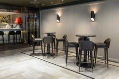 krzesło cukierniani opróżniają wnętrze numery tablic Zdjęcia Royalty Free
