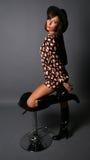 krzesło atrakcyjna kobieta fotografia stock