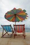 krzeseł clounds opróżniają niebo dwa Obrazy Stock