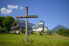 Krzyż i kościół Obrazy Stock