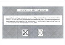 Krzyż na tak na Włoskim kartka do głosowania Fotografia Royalty Free
