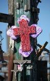 Krzyż przy wzgórzem krzyże Zdjęcia Royalty Free