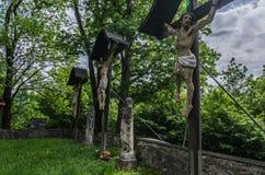 krzyże z Jezus w lesie fotografia royalty free