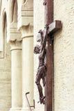 Krzyżowanie jezus chrystus na kościół ścianie Obraz Stock