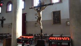 Krzyżowanie jezus chrystus - stara rzeźba w średniowiecznym kościół Santi Maria e Donato Wyspa Murano, Wenecja zbiory