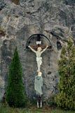 Krzyżowanie Jezus w austriackich alps górach na sposobie od Gmunden Hallstatt Lokacja Hallstatt Salzkammergut Austria obraz royalty free