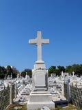 krzyż na cmentarzu Obrazy Royalty Free