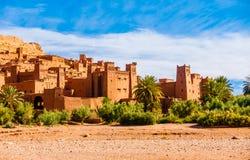 By Ksar Ait Benhaddou, Marocko Royaltyfri Foto