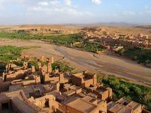 Ksar de AIT-Ben-Haddou e de Ouarzazate River Valley, Marrocos Imagens de Stock Royalty Free