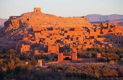 Ksar von AIT-Ben-Haddou bei Sonnenaufgang, Marokko Stockbilder