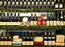 Käse und Wein Stockbilder