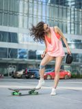 Ksenia skateboardflicka Royaltyfria Foton