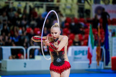 Kseniya Moustafaeva esegue con il nastro Immagine Stock