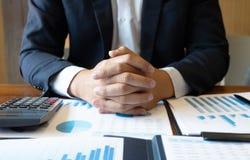 Księgowość konsultant, doradcy gospodarczego konsultanta Pieniężnego planowania Pieniężny planowanie obraz stock