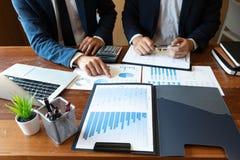 Księgowość konsultant, doradcy gospodarczego konsultanta Pieniężnego planowania Pieniężny planowanie obrazy stock