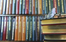książek szkieł pary sterta Fotografia Royalty Free