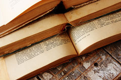książek target1854_1_ odizolowywam nad ścieżki rocznika biel Fotografia Stock