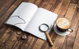 Książka, magnifier, zegar, kawa Obrazy Stock