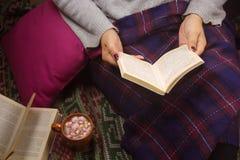 książka tła ps czytelniczej stworzył kobietę fotografia royalty free