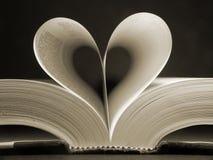 książka w kształcie serca Obrazy Royalty Free