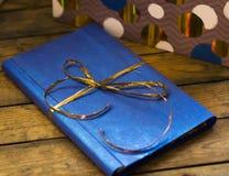 Książka w prezenta pudełku fotografia royalty free