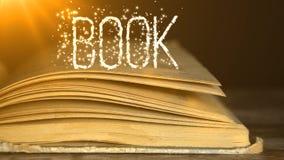 Książka w promieniach światło zbiory
