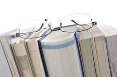 Książka z Eyeglasses Zdjęcia Royalty Free