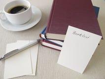 Książki, booklist i filiżanka kawy, Zdjęcie Stock