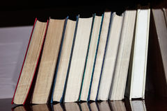 Książki na półce Zdjęcia Stock