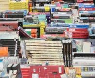 Książki przy księgarza stojakiem obraz royalty free