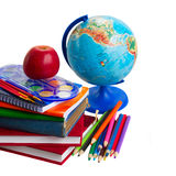 Książki z szkolną dostawą i kulą ziemską Obraz Stock