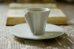 książkowa kawa Fotografia Stock