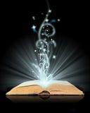 książkowa magia otwarta zdjęcia royalty free