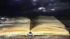 Książkowa powieść Książka jest w wodzie EBook zbiory wideo