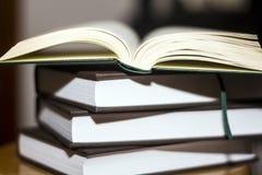 Książkowa sterta obrazy stock