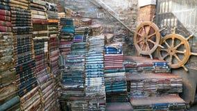 Książkowego sklepu podwórzowy pełny stare książki w Wenecja Włochy Zdjęcie Stock
