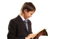 książkowej chłopiec otwarty nastolatek obraz stock